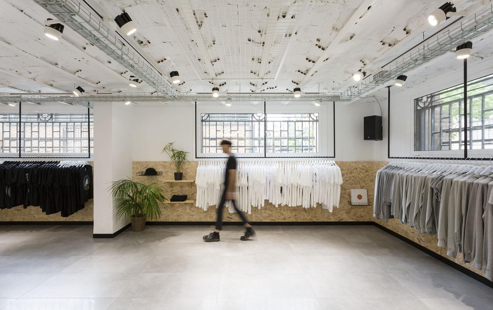 suara music store interior design retail clap estudio creativo suara tienda born barcelona clap. Black Bedroom Furniture Sets. Home Design Ideas