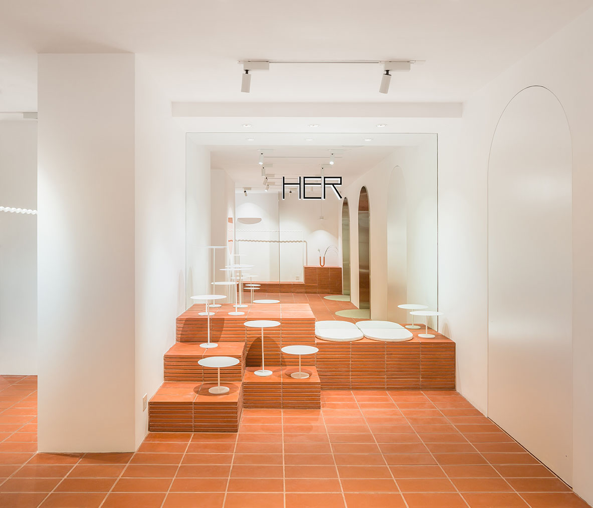 Clap-Studio-interior-design-retail-HER-Hilary-Tsui-hong-kong-award