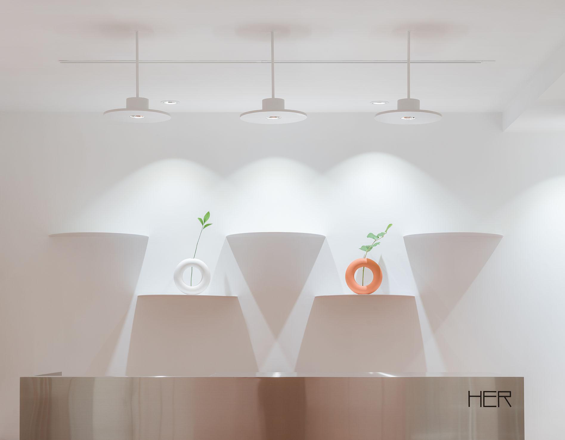 Clap-Studio-interior-design-retail-HER-Hilary-Tsui-hong-kong-dirección-artistica