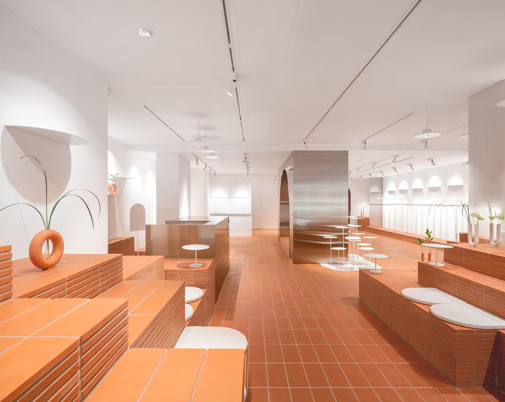 Clap-Studio-interior-design-retail-HER-Hilary-Tsui-hong-kong-fahion-store